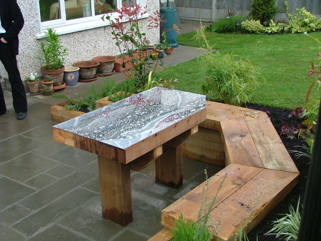 Small garden mirror table and built in seating peter How to make a small garden