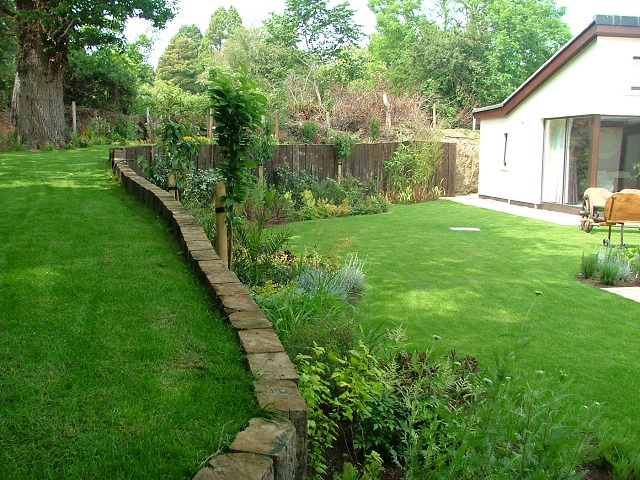 Garden ideas split level peter donegan landscaping ltd for Split level garden designs
