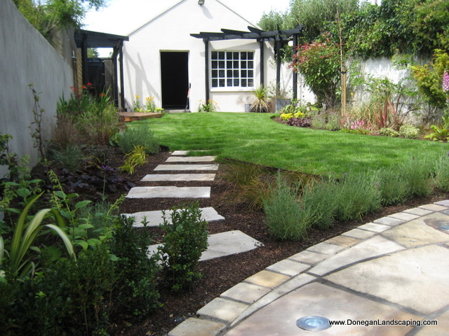 Dublin landscaping domestic back garden peter donegan for Landscaped back gardens