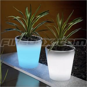 solar powered plant pot